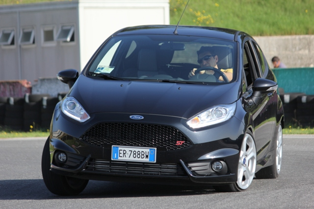 Prova Ford Fiesta St 182 Cv Performancemag It