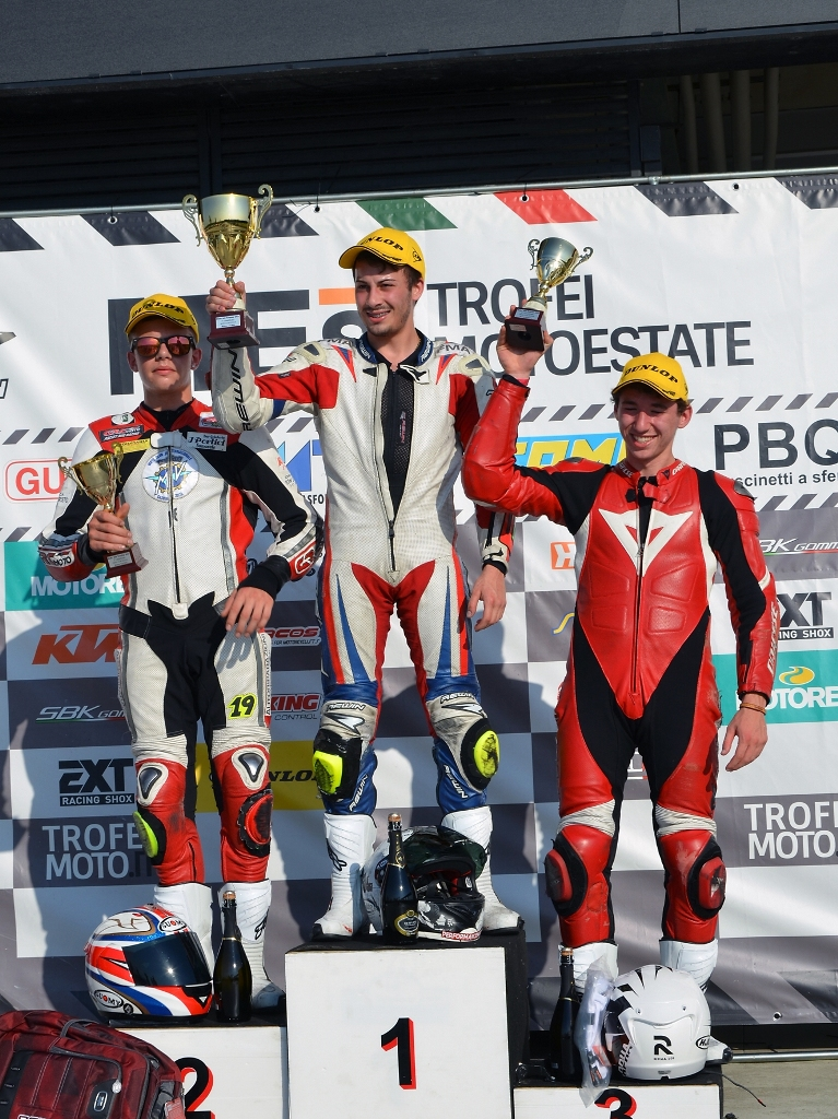 Podio gara Modena KTM Duke 200 Trophy