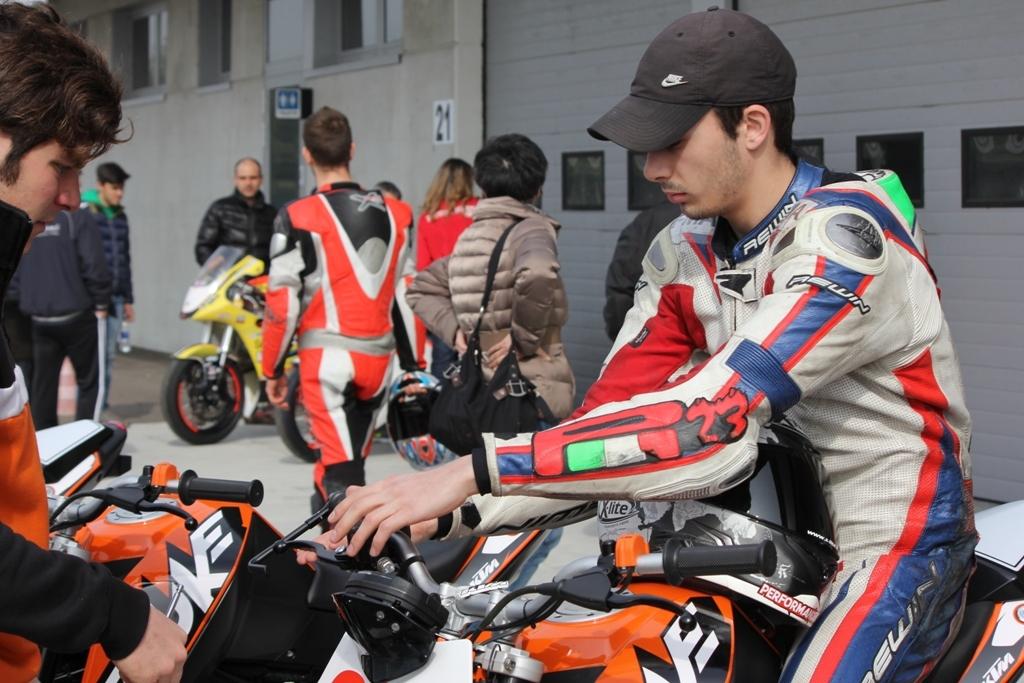 Paolo Arioni prepara la gara