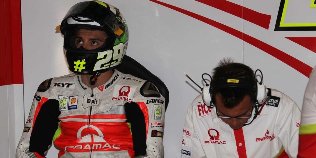Iannone al suo box Pramac Racing