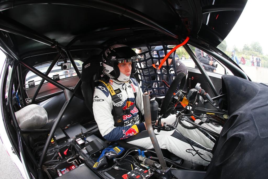 L'abitacolo di una vettura del World Rallycross