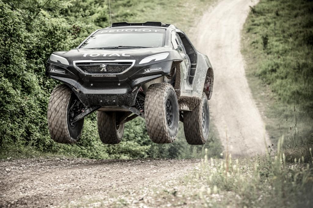 Peugeot scommette tutto sulla 2008 DKR a due ruote motrici