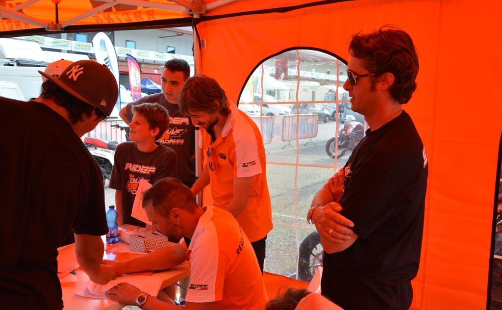 La tenda KTM e Paolo Fabiano KTM Italy