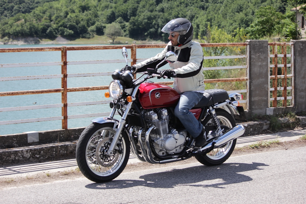 La CB1100EX 2014, lo stile vintage della moto