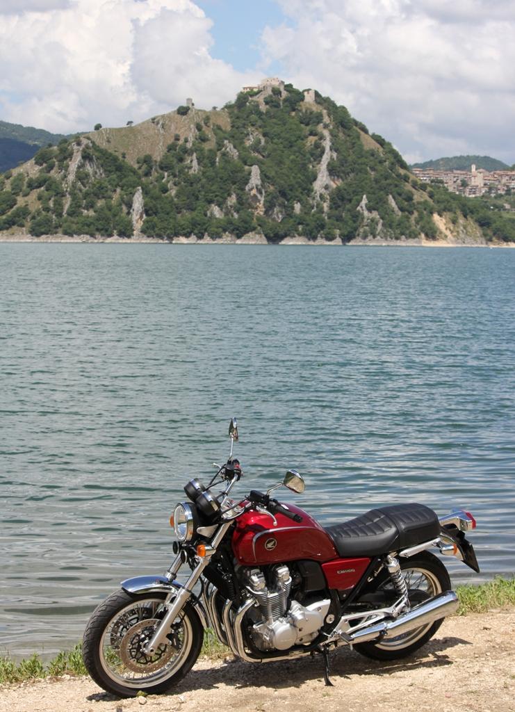 La Honda CB1100EX, naked da 90 Cv