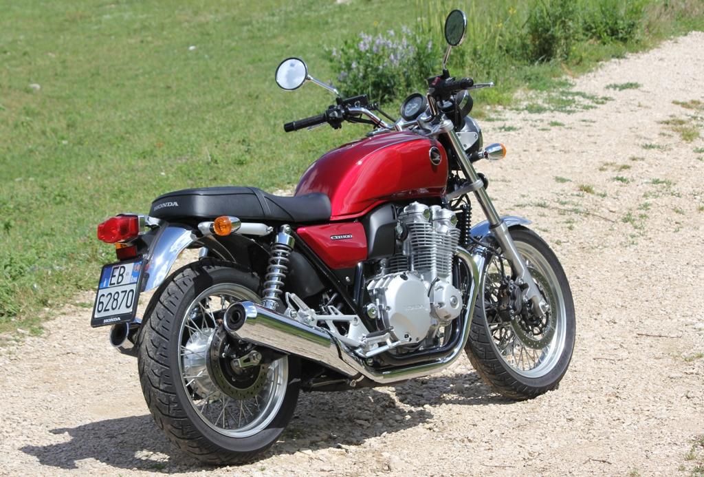 Honda CB1100EX, esplora il mondo...