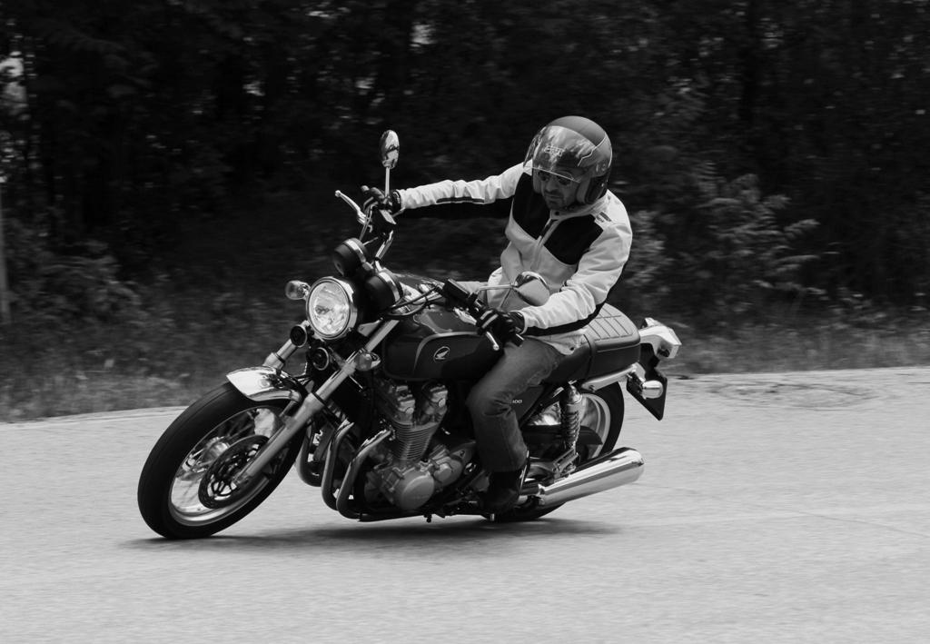 Honda CB1100EX, salto nel passato