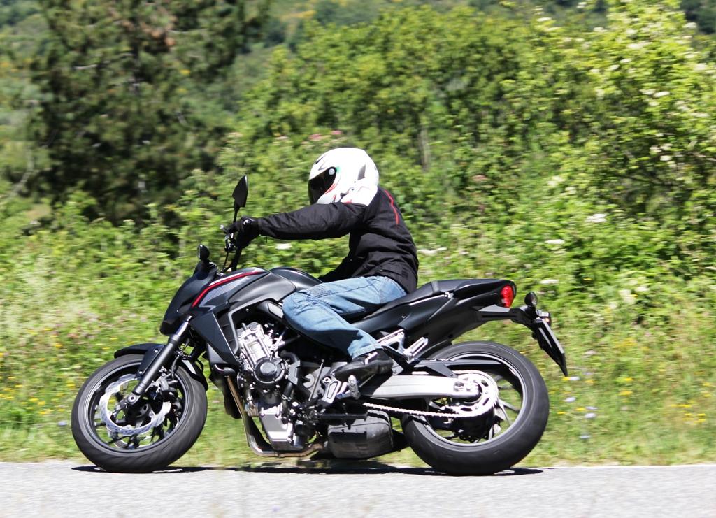 La Honda CB650F ha un design aggressivo e nuovo