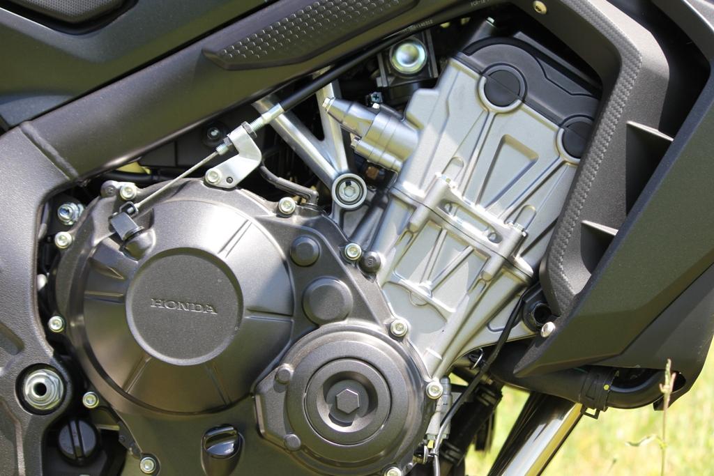 E' un quattro cilindri tutto nuovo quello della Honda CB650F