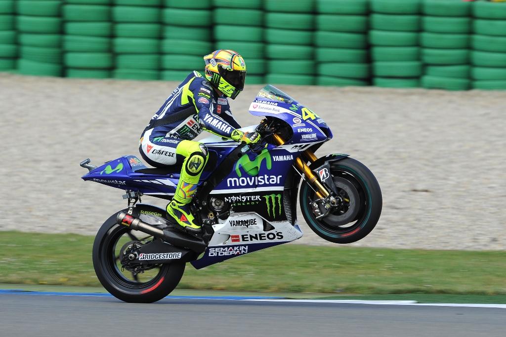 Valentino Rossi in Yamaha per altri due anni