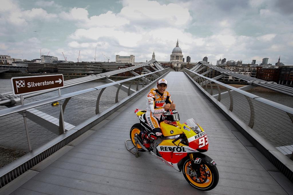 MotoGP 2014 Silverstone: Marc Marquez sul Millenium Bridge