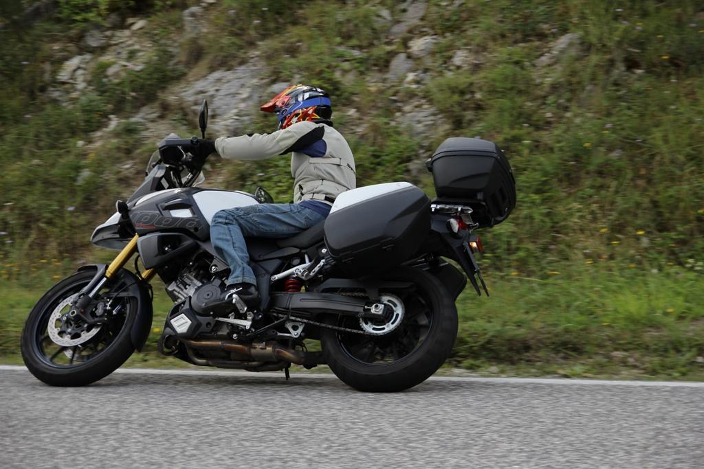 Suzuki V-Strom 1000 ABS, nata per viaggiare