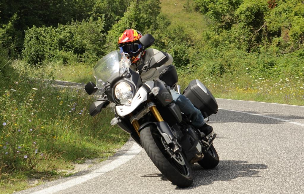 La V-Strom 1000 ABS Suzuki è forte di un motore fluido sopra i 4000 giri