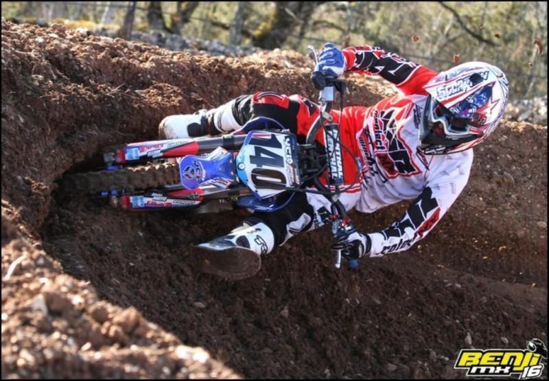 Una bella immagine di Mike Valade, rider factory YCF France