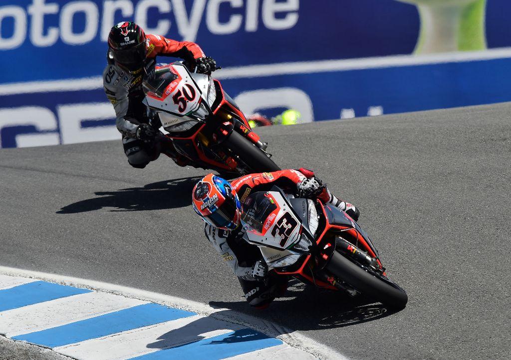 Aprilia Racing WSBK 2014, Melandri e Guintoli action