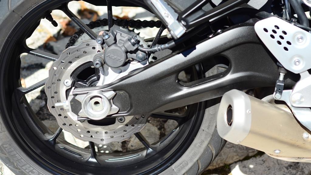 Forcellone corto ed asimetrico per la MT-07 Yamaha