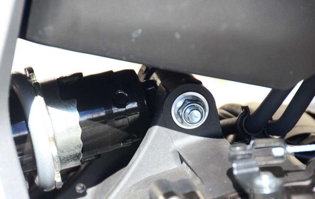 Soluzione originale per l'attacco del mono sul carter motore della MT-07