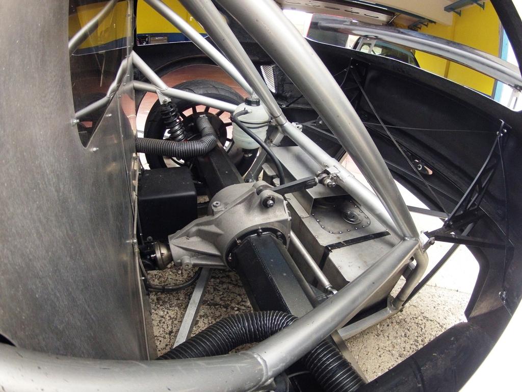 Mitjet 2014: la parte posteriore con l'area della trasmissione ad assale rigido