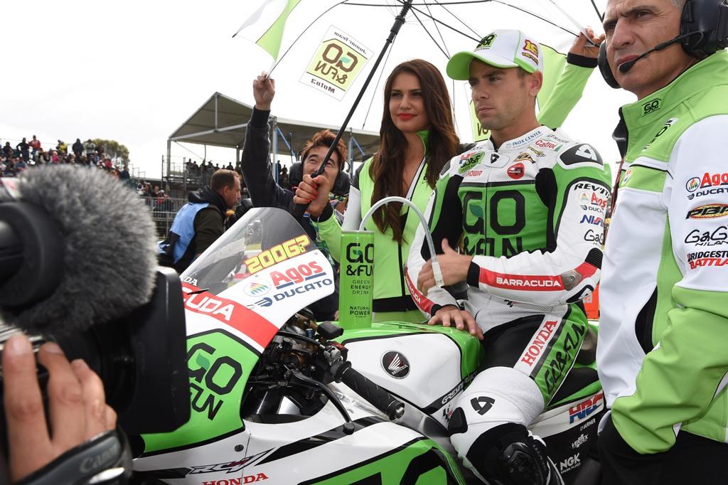 MotoGp 2014: Alvaro Bautista.prima della partenza in Australia