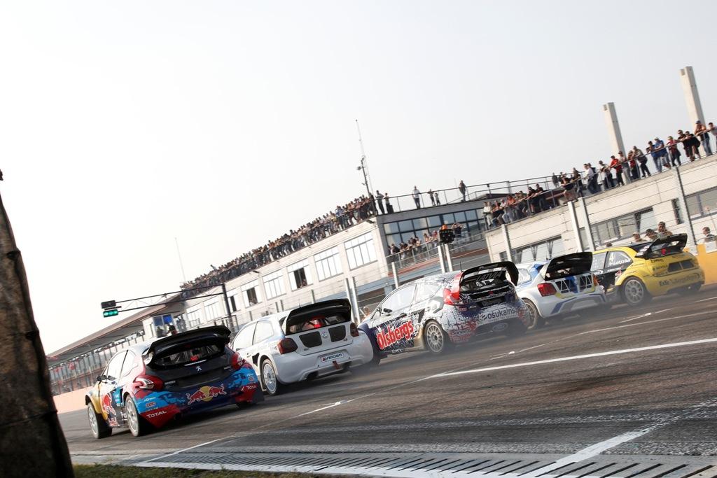 FIA Rallycross 2014: la partenza della finale Supercar