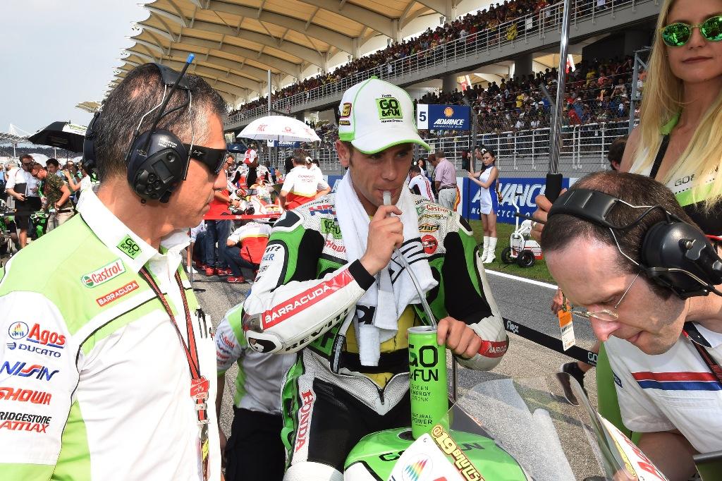 MotoGP 2014, Alvaro Baustista caduto in Malesia dopo il contatto con Espargarò
