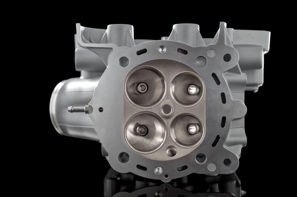 """Ducati DVT: la testa """"quattrovalvole"""" del nuovo motore DVT/DS doppia accensione"""