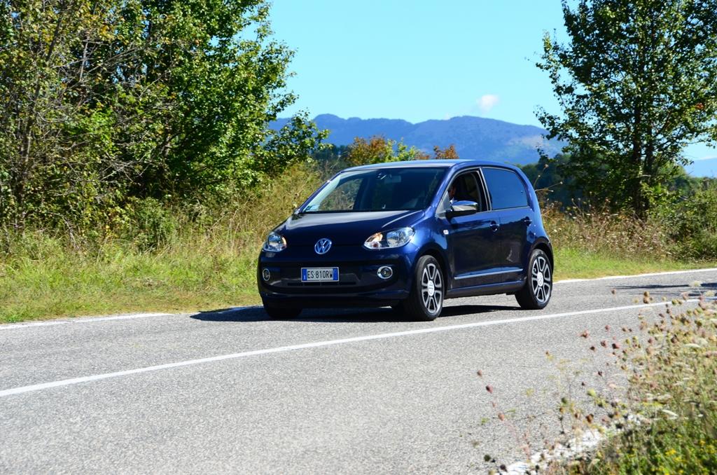 VW Up! 2014: ottime prestazioni, grazie al tre cilindri a fasatura variabile VW