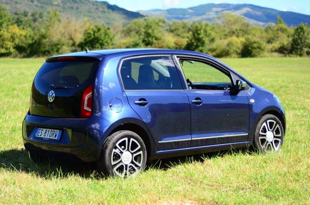 VW UP! hih up! estetica gradevole e linee morbide per questa utilitaria elegante