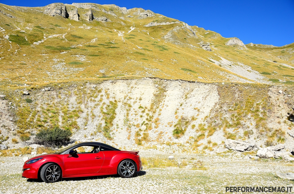 RCZ-R Peugeot, lo stile francese per una vera sportiva purosangue