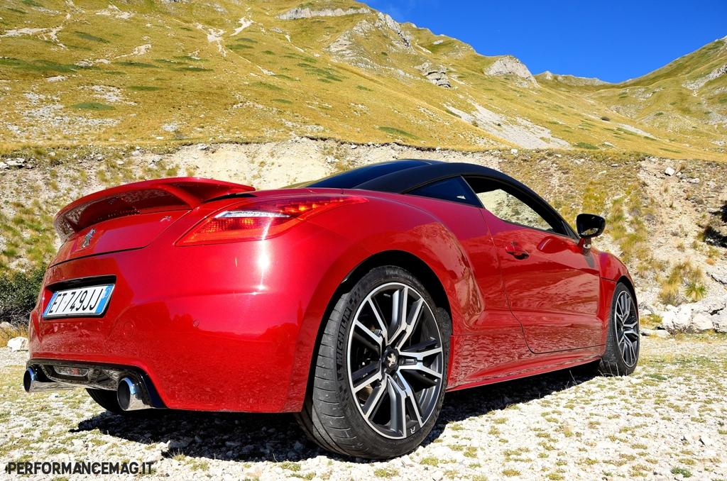 RCZ-R Peugeot, spoiler fisso e migliore aerodinamica per la versione R