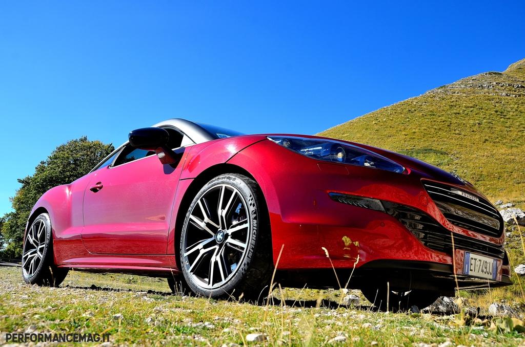 RCZ-R Peugeot, frontale aggressivo ed assetto più basso rispetto alla RCZ