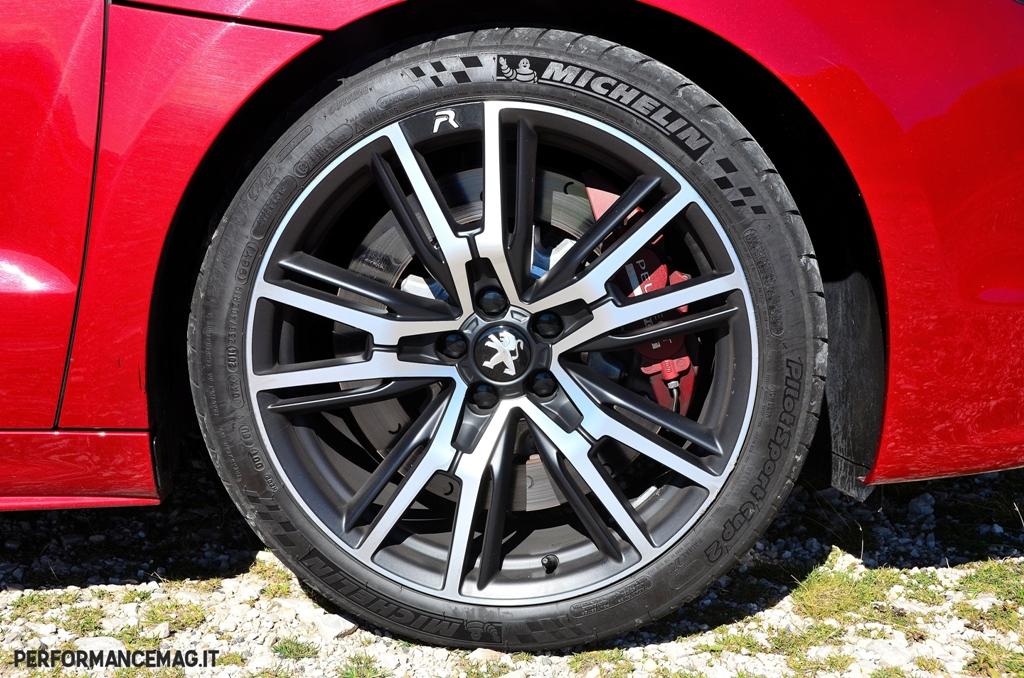RCZ-R Peugeot: dischi freno anteriori da 380 mm Peugeot Racing