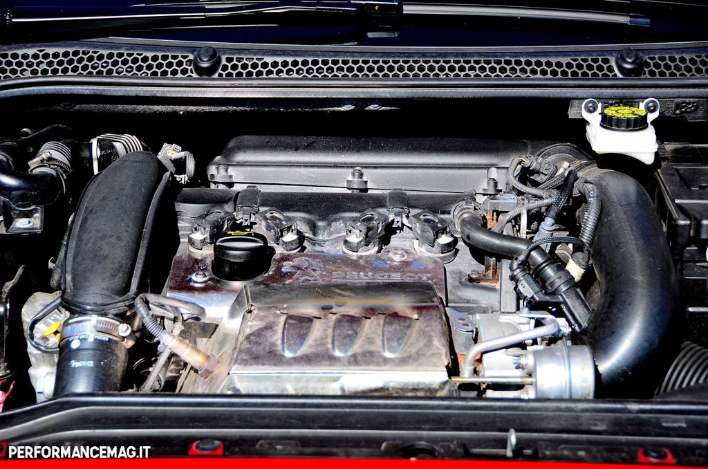 RCZ-R: motore turbo da 270 Cv e 330 Nm di coppia