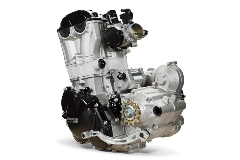 Beta Enduro RR 2015, il motore 350 4T vanta iniezione l'elettronica