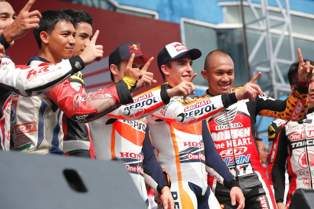 MotoGP 2014: Marquez e Pedrosa con i piloti indonesiani