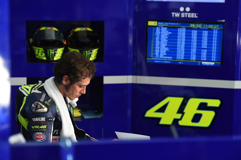 MotoGP 2014, Sepang, Valentino rossi al box Yamaha Movistar