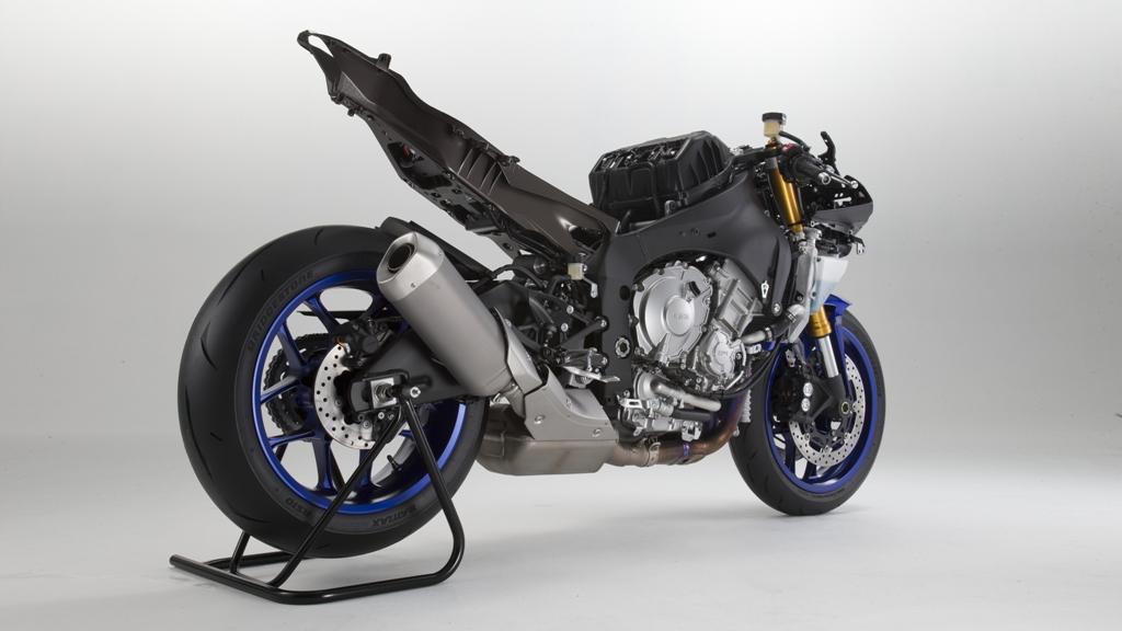 Yamaha R1 2015, il nuovo telaio Deltabox, sulla M sospensioni Ohlins
