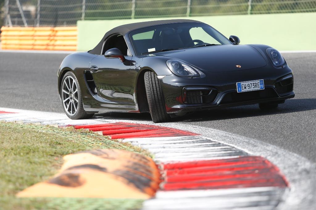Porsche Boxter GTS, più aggressiva grazie al suo nuovo frontale