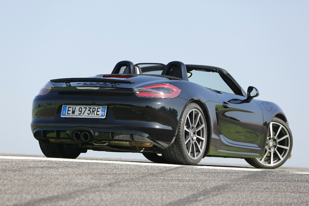 """Porsche Boxter GTS a cielo aperto, spiccano ancor più i cerchi da 20"""""""