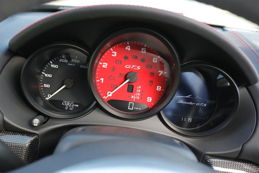Rosso racing per il contagiri della Boxter GTS, solo quello che conta...