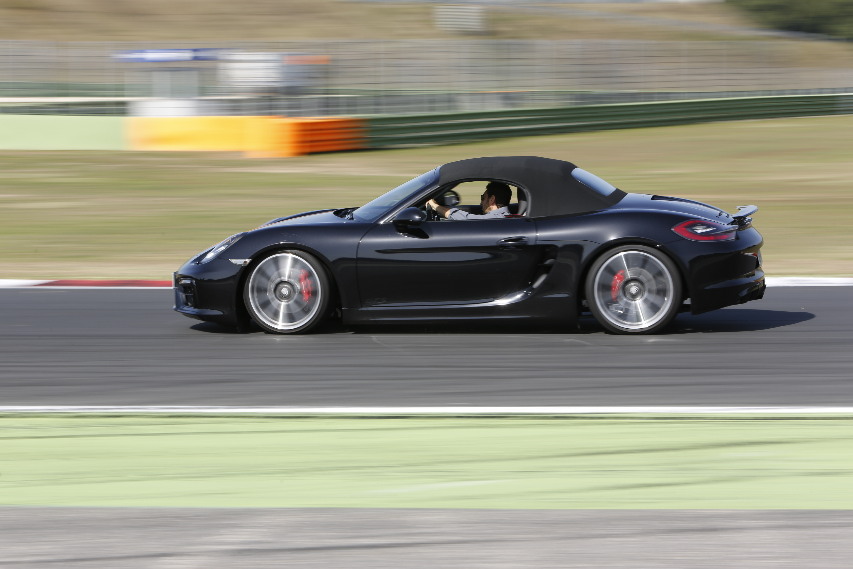 La nuova Porsche Boxter GTS, grande equilibrio e dinamica esaltata