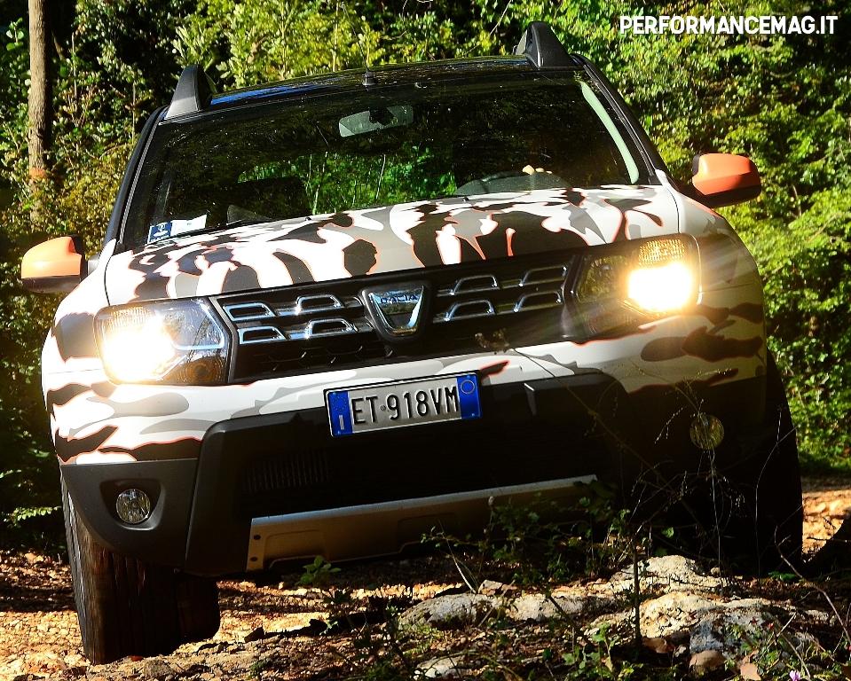 Dacia Duster 2014, angoli rivisti per il nuovo modello, ampie possibilità offroad