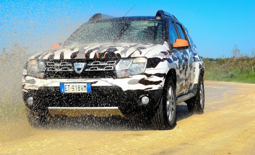 Dacia Duster 2014, la vettura non è molto ben protetta nella parte della trasmissione