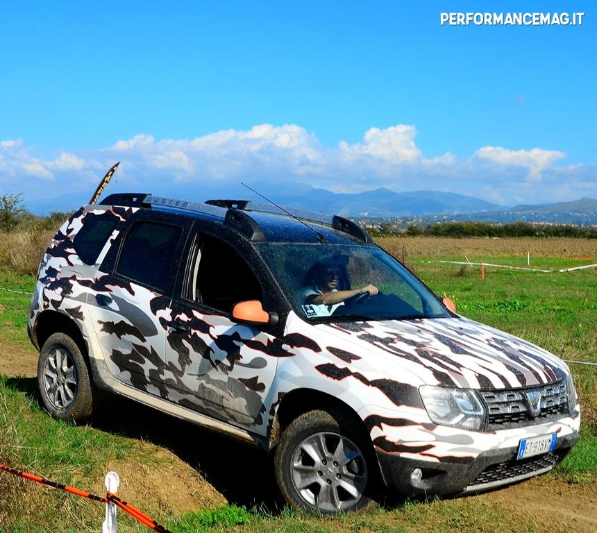 Dacia Duster 2014, una prova davvero dura per il piccolo SUV Dacia