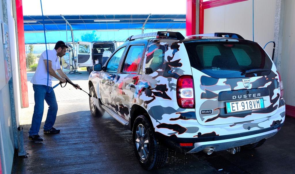 Dacia Duster 2014, una lavata l'ha proprio meritata dopo la nostra hard prova