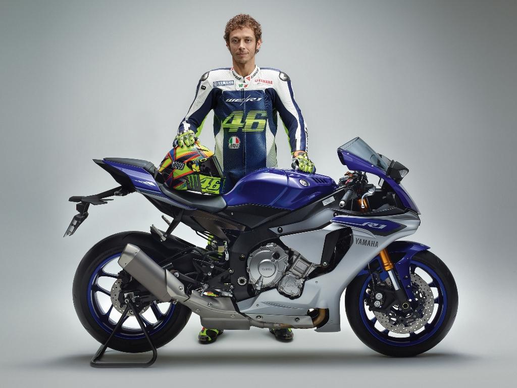MotoGP 2014, Valentino Rossi e la nuova R1 presentata ad EICMA 2014