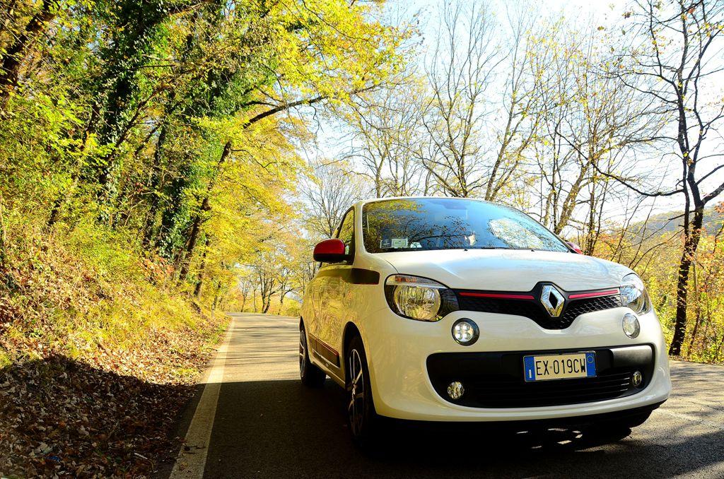 Aspetto simpatico grazie al muso corto della Nuova Twingo Renault
