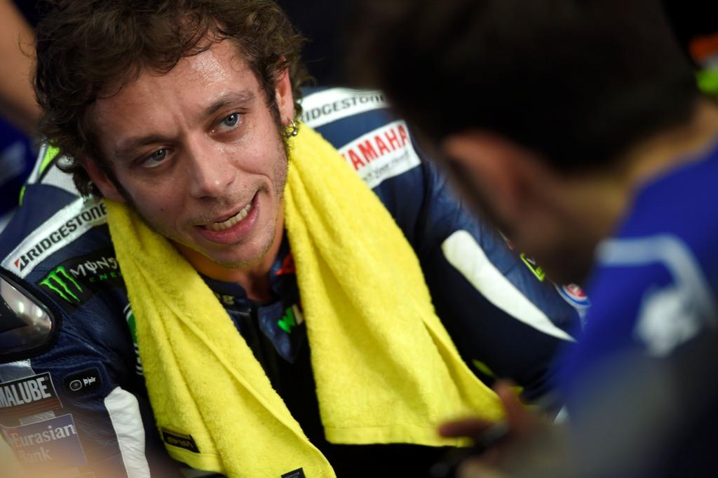 MotoGP 2015, Valentino Rossi ha sofferto di chattering sulla sua M1 nel secondo giorno di test a Sepang
