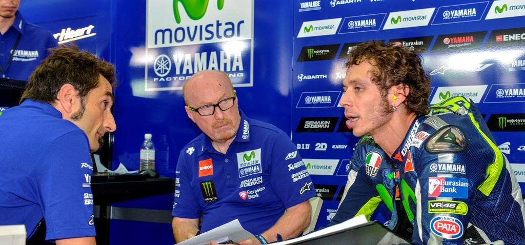 MotoGP 2015, Sepang2, Rossi ed il suo tecnico Galbusera