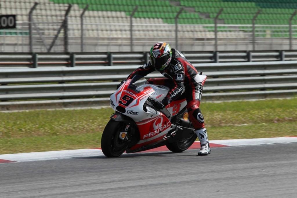 MotoGP 2015, Danilo Petrucci, piccola scivolata per lui nel secondo giorno a Sepang